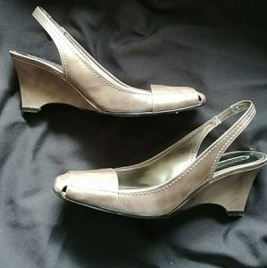 Enzo silver patent leather wedge